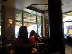 cafe-leon-tivoli-village-12